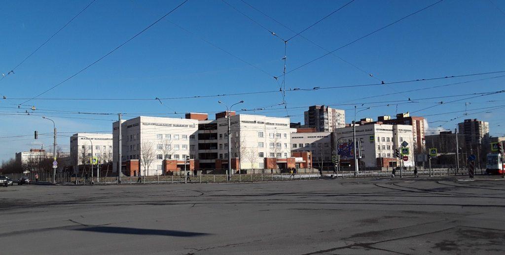 Детская больница №5 переключилась на приём пациентов с COVID-19