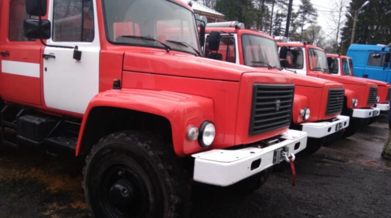 Пожарные выезжали к ВМА на Васильевском острове по ложному вызову