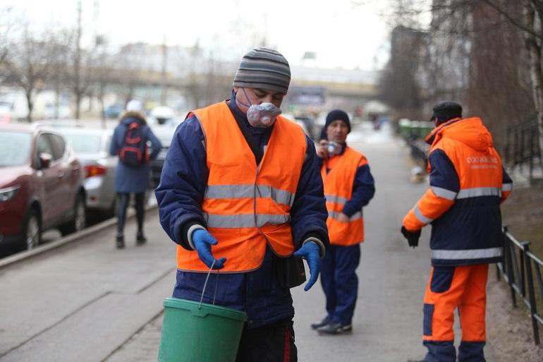 В Петербурге не хватает сотрудников служб уборки
