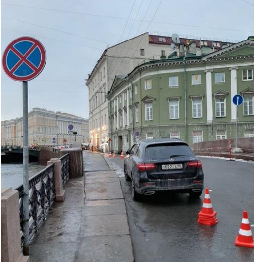 Место встречи изменить нельзя: Боярский вновь «бросил» Mercedes в неположенном месте