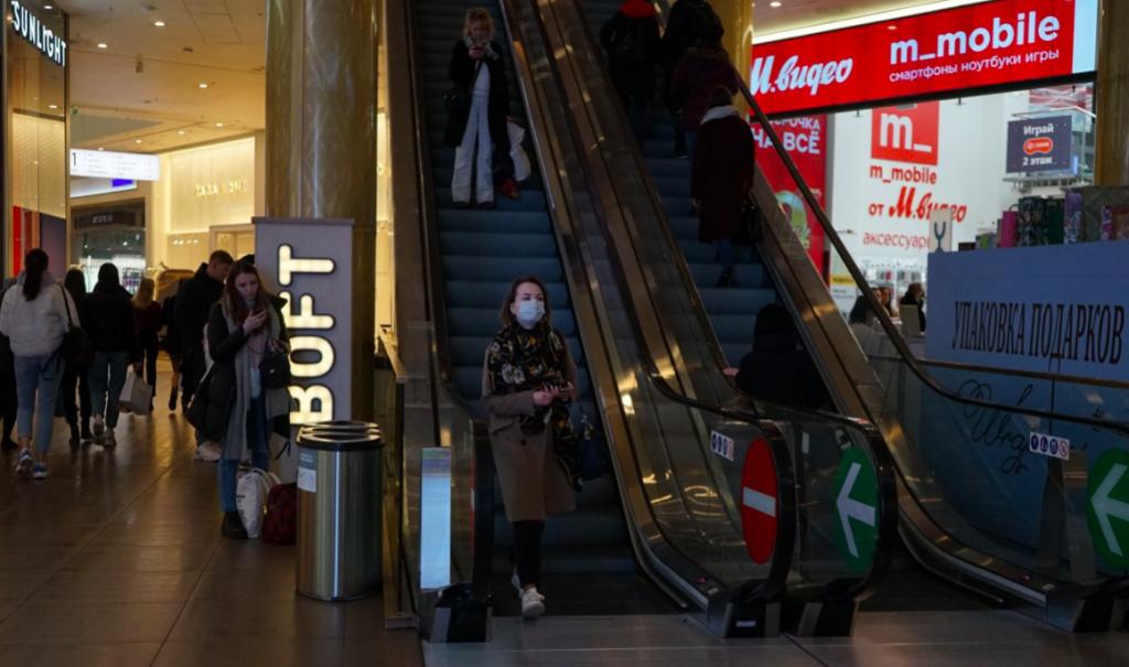 Ждем ответ от Елина: петербургские торговые центры готовятся к открытию