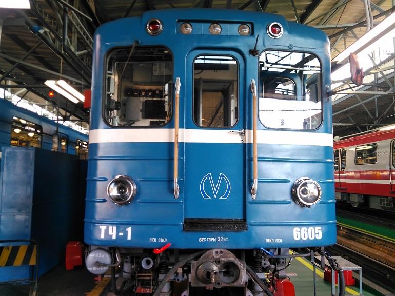 В Петербурге отменили ночной поезд-челнок