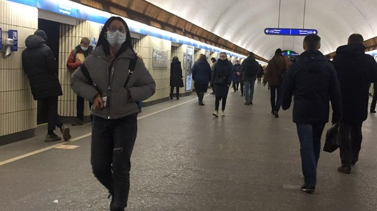 Закупки масок «Петербургского метрополитена» выросли с 3,5 рублей за штуку до 37,5 рублей