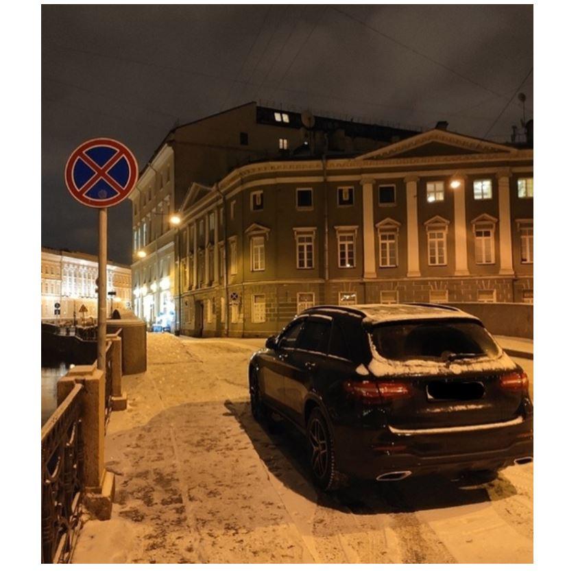 Очевидцы: Боярский в очередной раз бросил свой Mercedes посреди моста