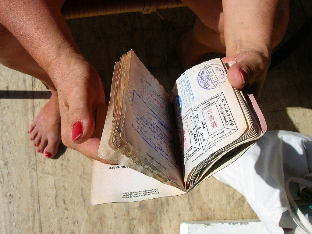 В Петербурге заработали визовые центры