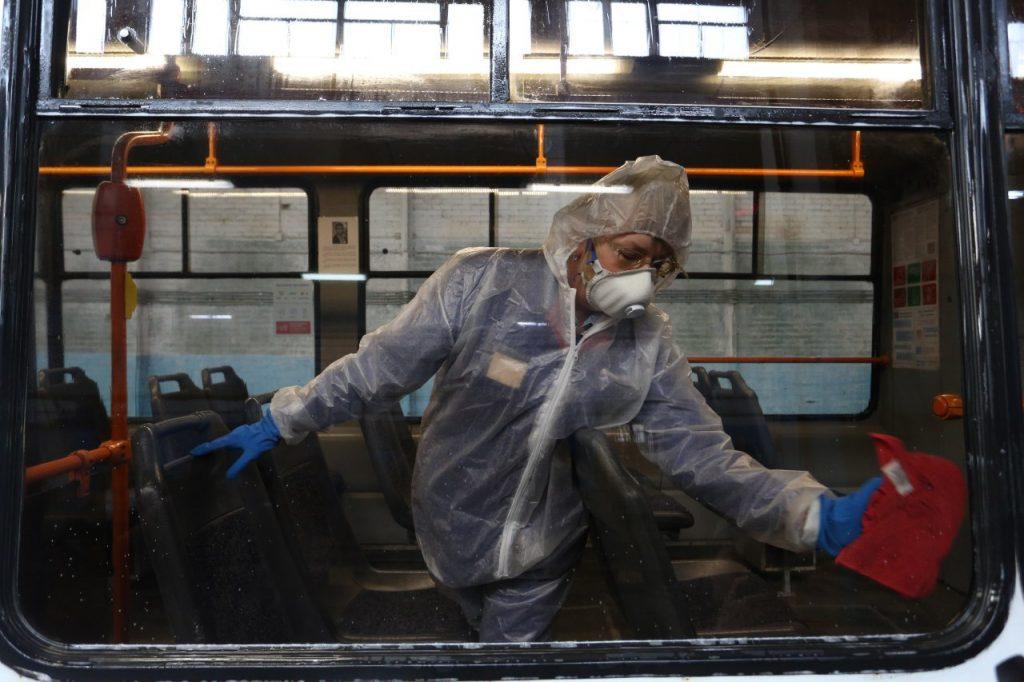 Петербург опять на втором месте по коронавирусу, заразилось 196 человек