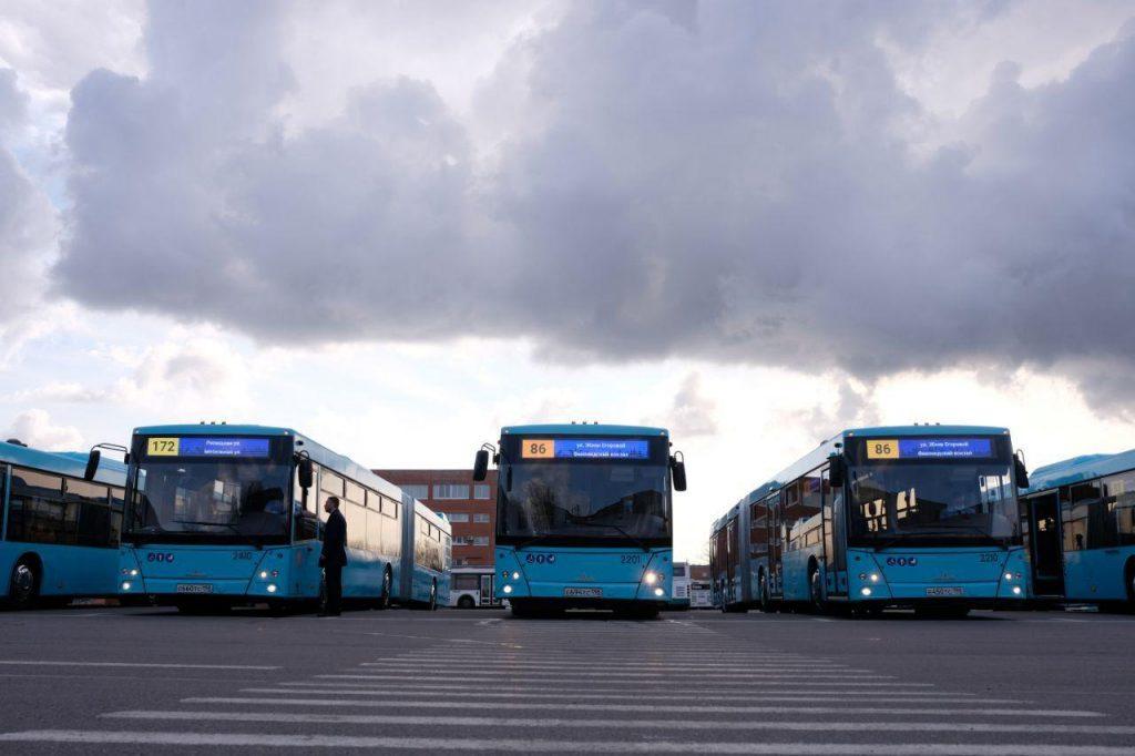 По Петербургу пустили 39 дополнительных автобусов на 8 маршрутах