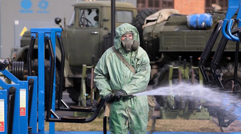 Центр Петербурга продезинфицировали: вылито три тонны раствора