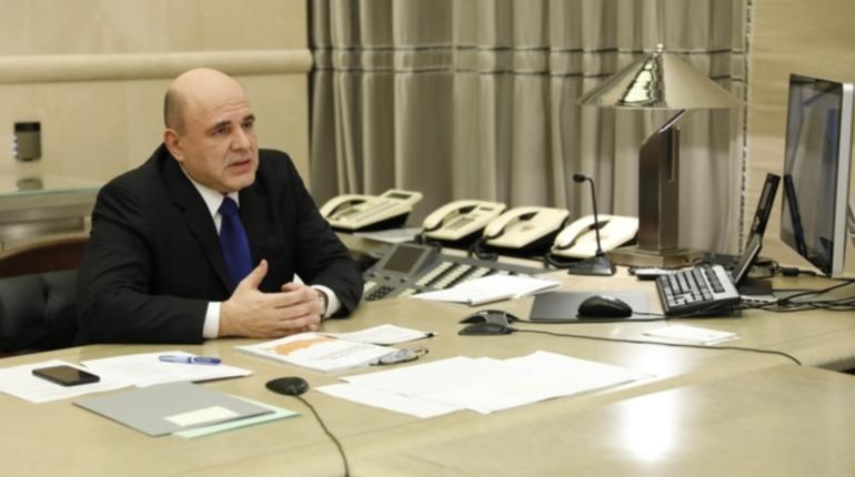 Мишустин выделил еще 22 млрд рублей медикам и соцработникам