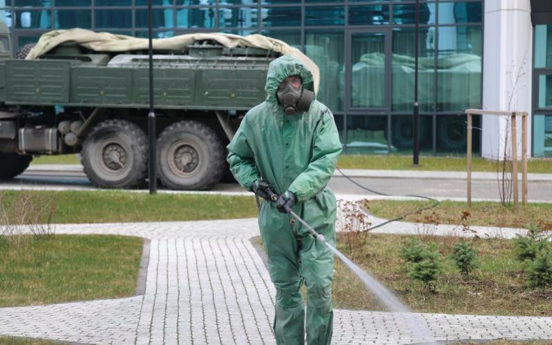Военнослужащие ЗВО обеззаразили склады неприкосновенного запаса в Ленобласти