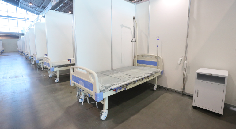 Федеральные стационары Петербурга освобождают койки от коронавирусных больных