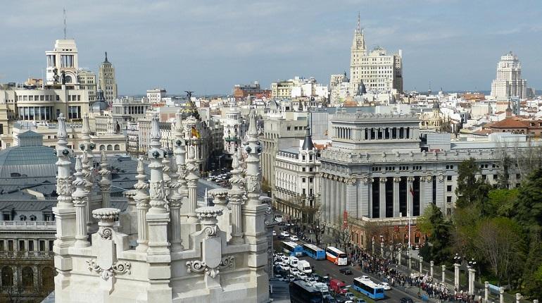Власти Испании ввели режим повышенный готовности из-за Covid-19