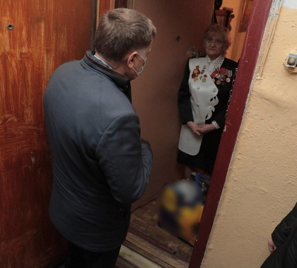 За сутки к петербургским волонтерам обратились 65 человек