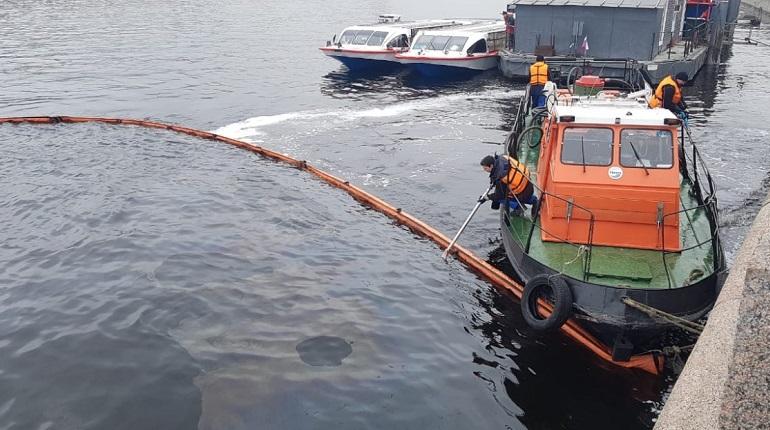 Больше 300 кг нефти, ртути и других химических отходов вывезли из Петербурга