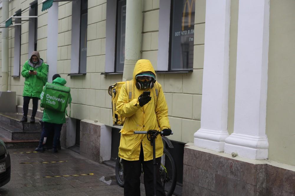 В России ждут череду карантинов до появления вакцины от COVID-19