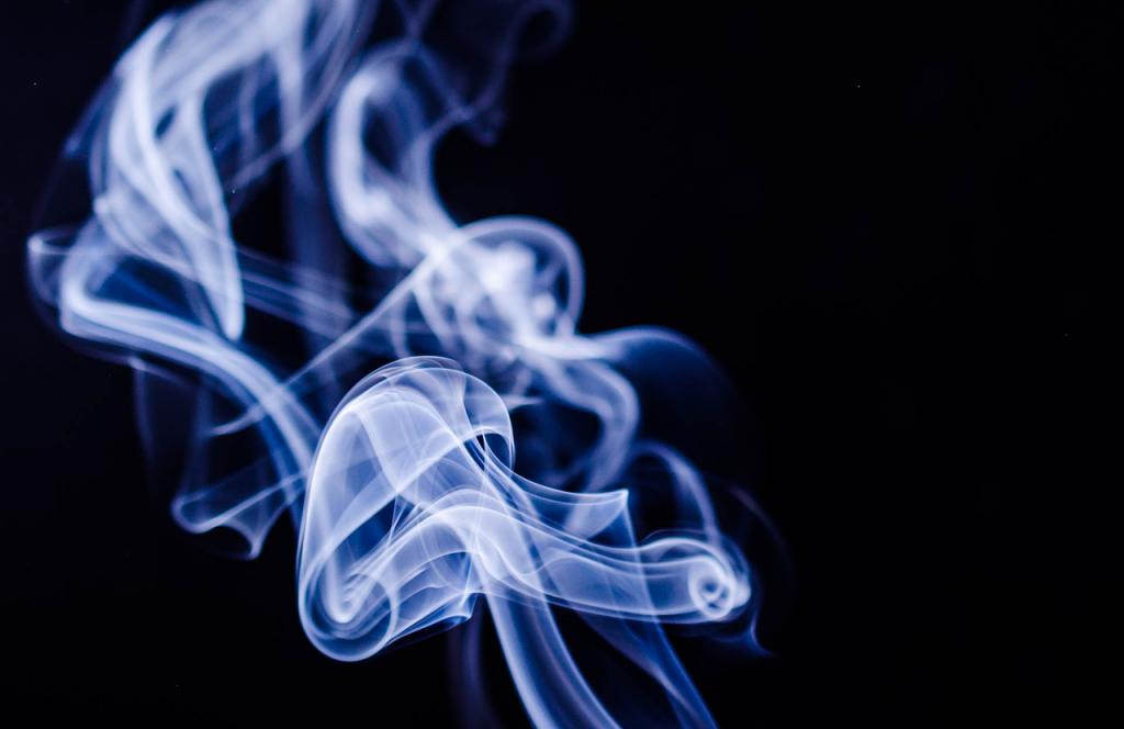 Бизнесмена Красносельского района обязали прекратить торговлю сигаретами вблизи школы