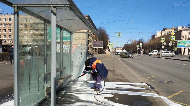 На уборку Петербурга за неделю потратили 114 литров шампуня