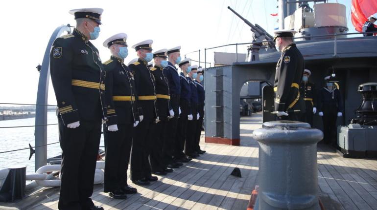 Крейсер «Аврора» отметил 120-летие