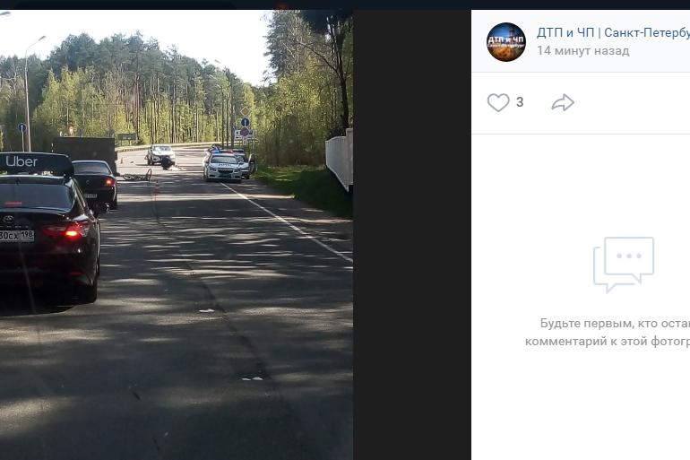 В Левашово велосипедист погиб под колесами автомобиля