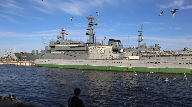 Корабли «Перекоп» и «Павел Хенов» пришвартовались в Петербурге: фоторепортаж «Мойки78»