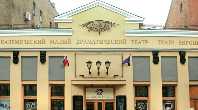 Петербург против коронавируса: какие музеи откроют первыми и ждать ли похода в театр раньше осени