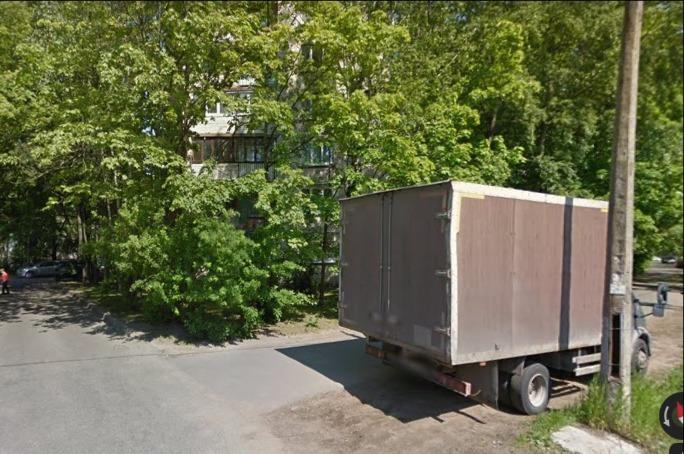Три бандита украли у петербуржца рюкзак с ноутбуком