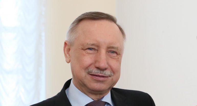Лучшие учителя Петербурга получат 200 тысяч рублей от губернатора города