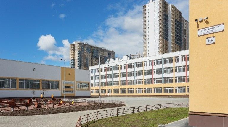 На 7 месяцев раньше срока: Setl Group сдал школу с двумя бассейнами в Петербурге