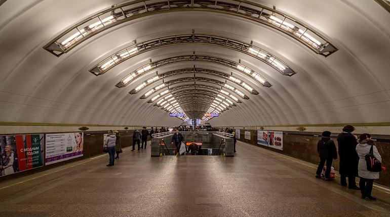 В петербургском метро сегодня произошло задымление