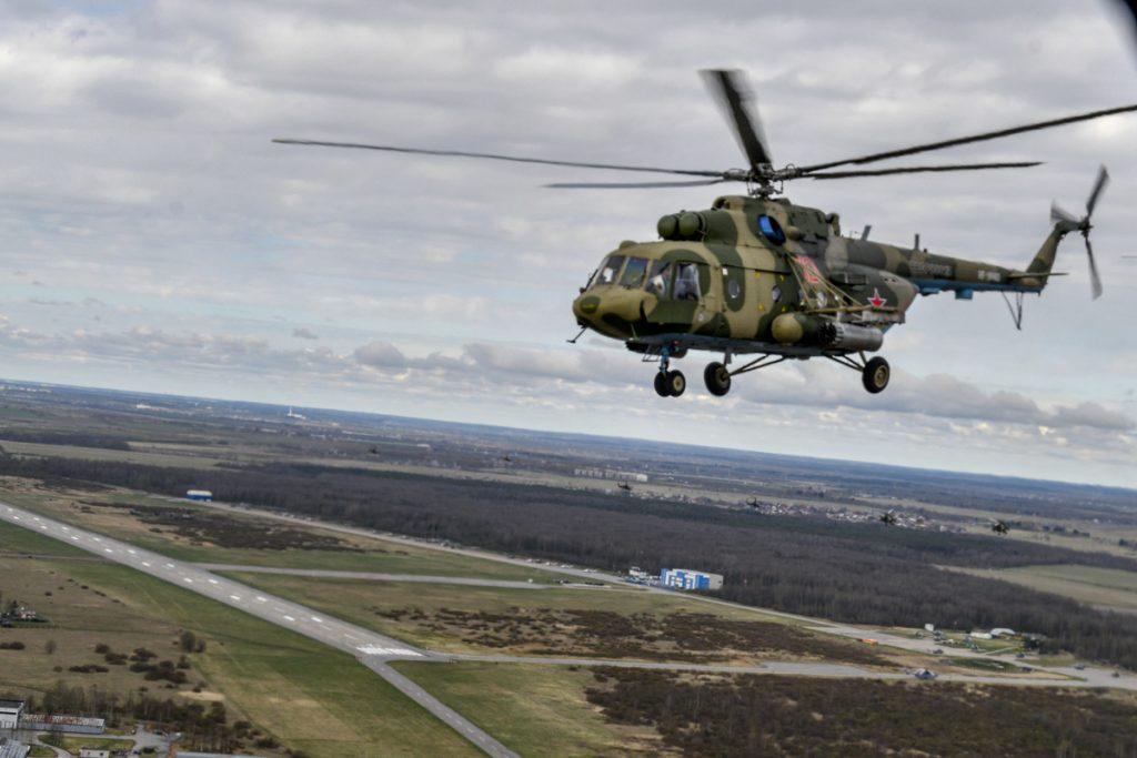 Летчики ЗВО провели тренировку по тушению пожаров в Петербурге