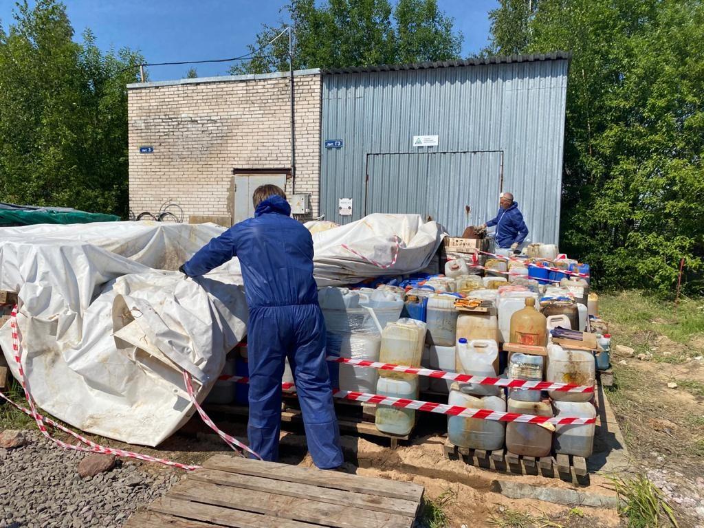 Свалка химических отходов на Дальневосточном проспекте стала уголовным делом