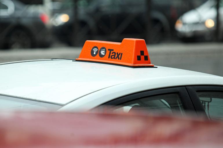 Двое нападали в Петербурге на таксистов и обворовывали их, оба сядут на 7,5 лет в колонию