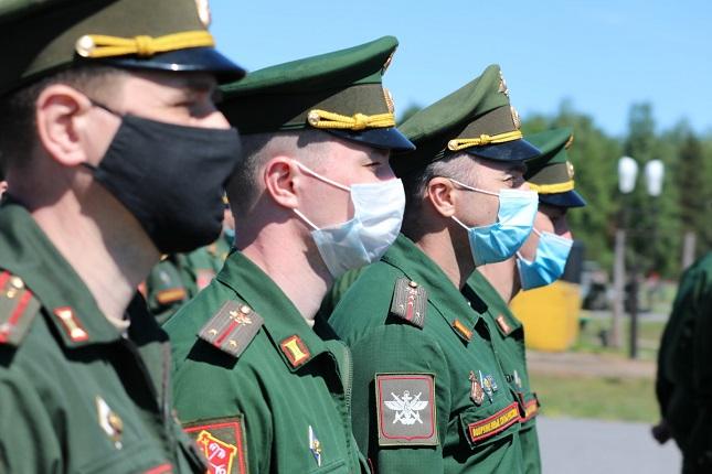 Командующий ЗВО высоко оценил подготовку военных к параду в Петербурге