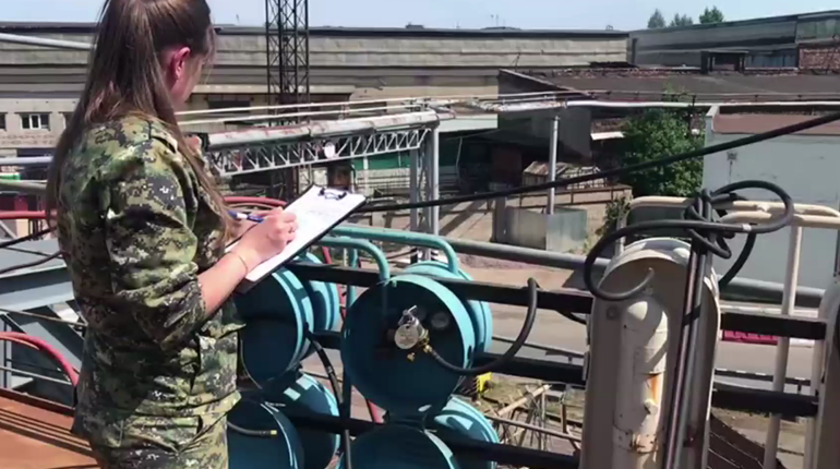 Видео: что происходит на «Адмиралтейских вервях» после хлопка на судне