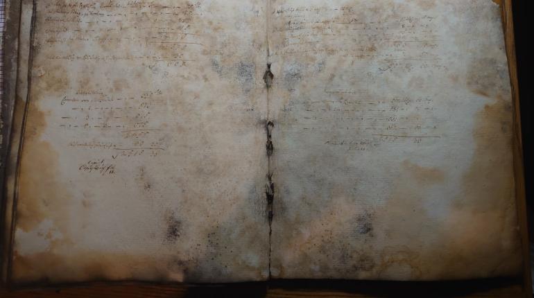 В церкви Святой Екатерины на Васильевском нашли старинную книгу