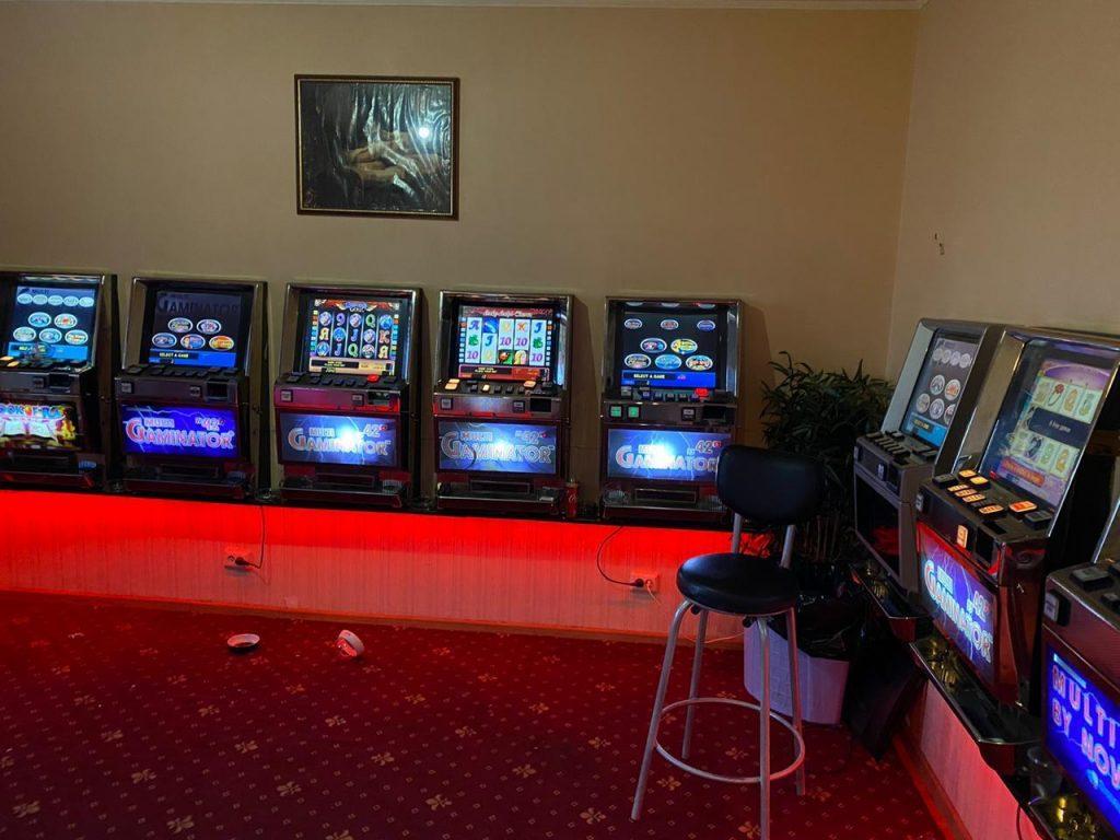 Игровые автоматы в ленобласти покер майл онлайн играть