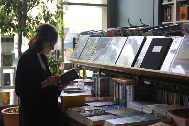 В Петербурге с понедельника открылись книжные: фоторепортаж «Мойки78»
