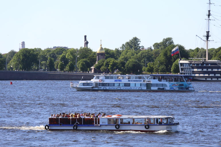 Сезон круизной навигации стартовал в Петербурге: фоторепортаж «Мойки78»