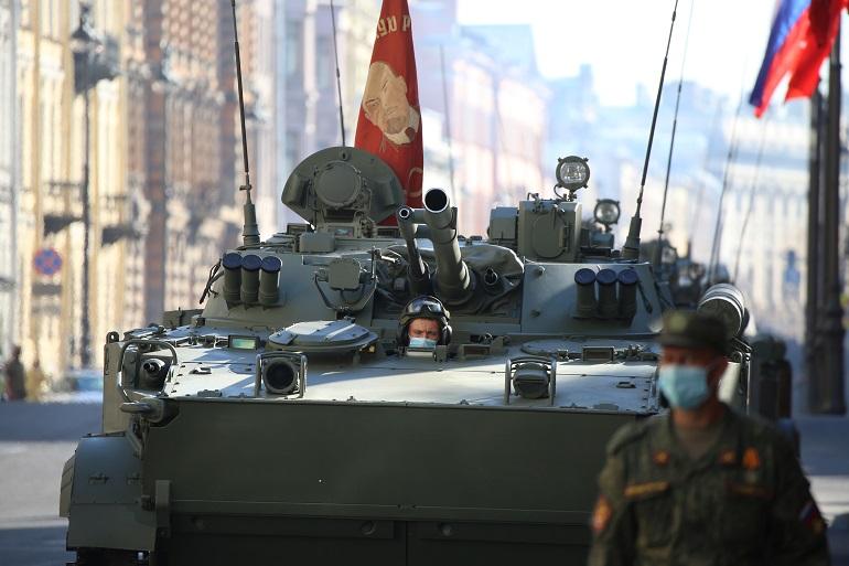 В параде Победы на Дворцовой площади будет задействовано 150 единиц военной техники