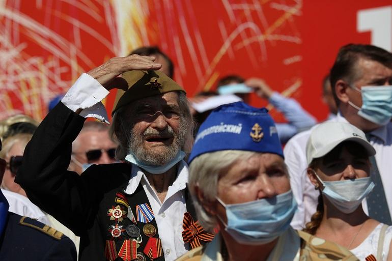 Парад Победы 2020 на фоне эпидемии: фоторепортаж «Мойки78»