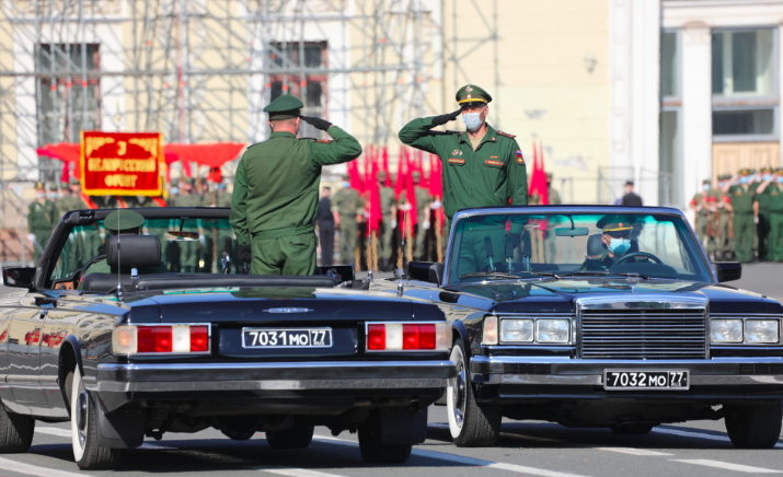 В генеральной тренировке парада на Дворцовой приняло участие 30 самолётов