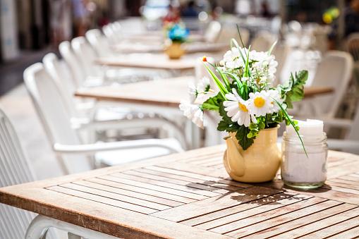 КИО выдаст рестораторам разрешения для летних кафе в упрощённом виде