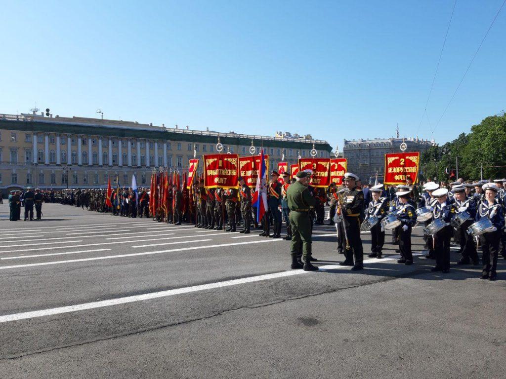 По Дворцовой площади прошел легендарный Т-34