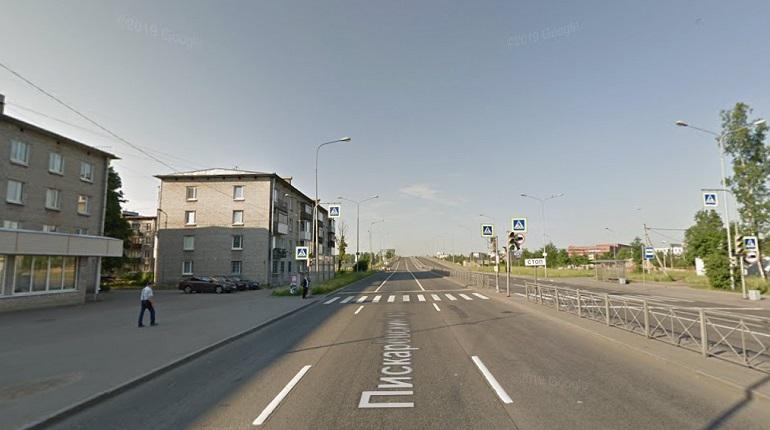 В Петербурге ограничили движение на Пискаревском проспекте