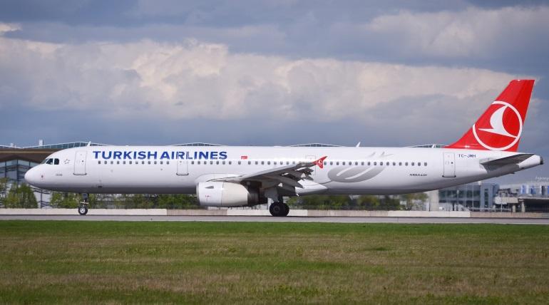 Turkish Airlines начинает летать из Пулково в Стамбул и Анталью