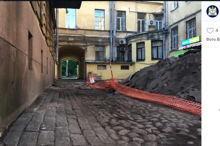 В старом фонде Петербурга резко подорожали комнаты
