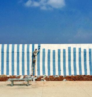 «Забор с вертикальными линиями»: петербургский фотограф стал первым в Phone Photography Awards