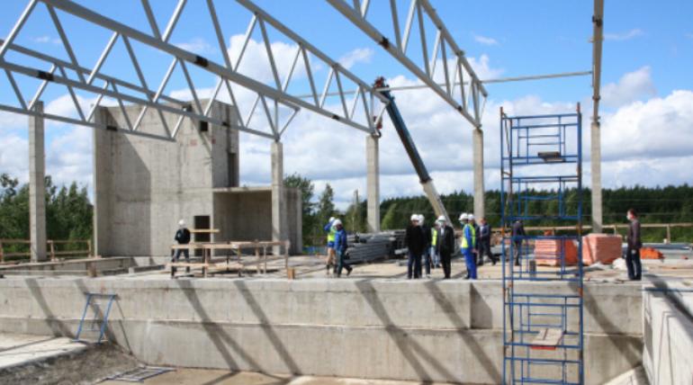 Комплекс с катком и бассейном откроют в Петергофе в следующем году