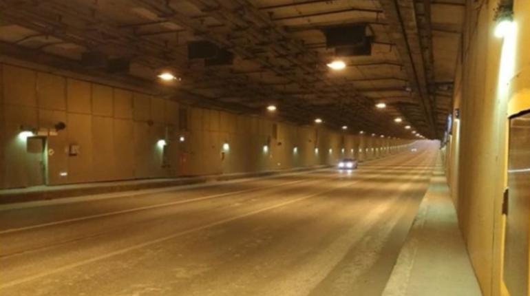 Стала известна причина перекрытия проезда через тоннель на дамбе