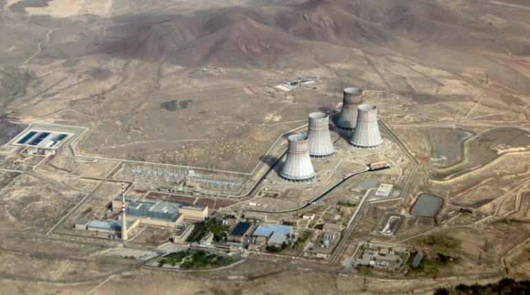 Азербайджан грозит Армении ракетным ударом по атомной электростанции